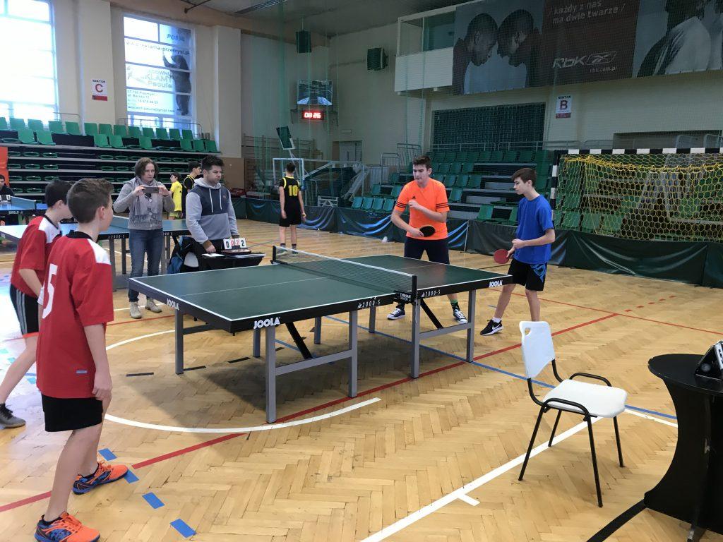 zawody tenisa stołowego